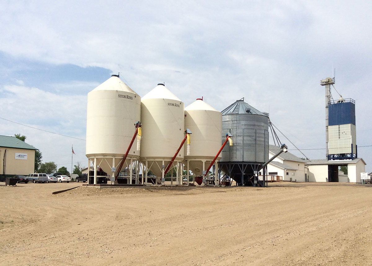 Storage bins for Faulkton Grain & Feed