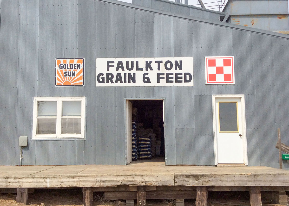 Faulkton Grain and Feed entrance