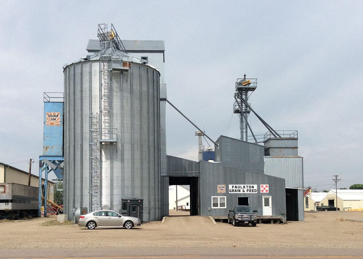 Faulkton Grain & Feed grain bin exterior